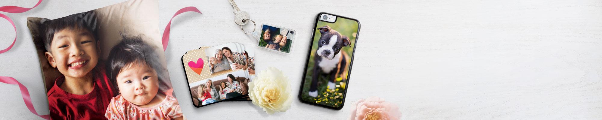 Cadeaux Photo personnalisés Créez des cadeaux personnalisés pour vos amis et votre famille. Offrez à vos proches des cadeaux qui comptent vraiment, uniques en leur genre.