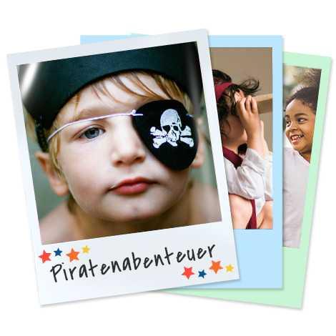 Stapel Retroabzüge mit Kind als Pirat verkleidet